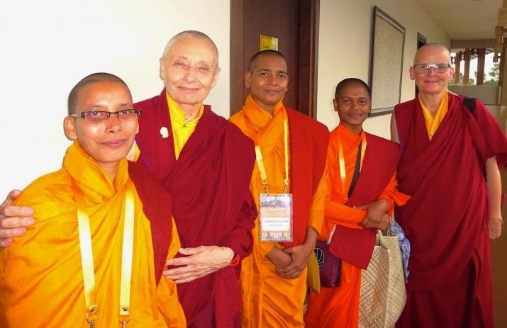 Bangladeshi samaneris with Jetsunma Tenzin Palmo