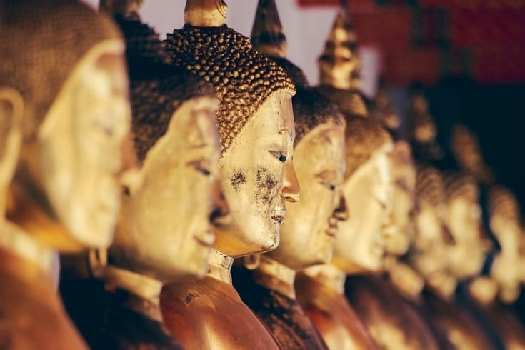 Line of Buddha images