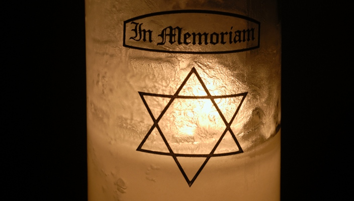 Jeewish Memorial Candle