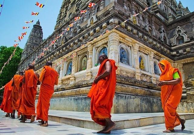 temple pradakshina