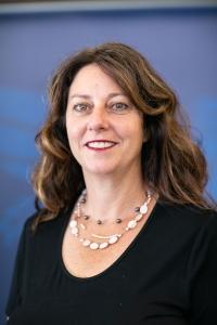 Dr Lisa Bourke
