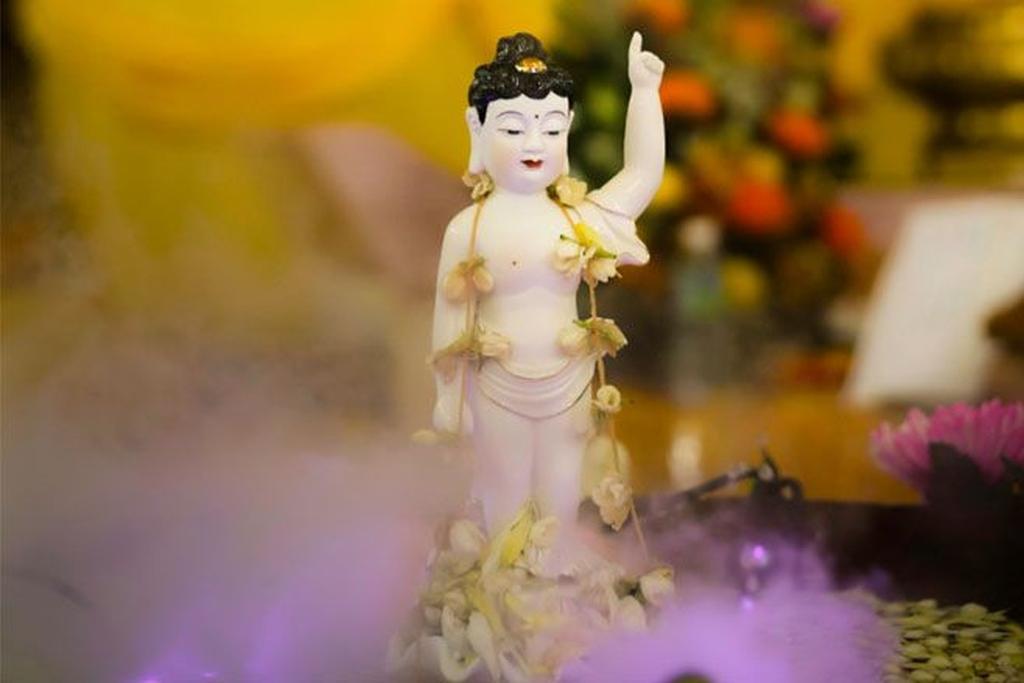 youthful Buddha idol